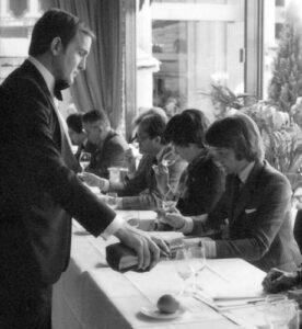 Στιγμιότυπο από την ιστορική «τυφλή» γευσιγνωσία κρασιού του 1976 στο Παρίσι