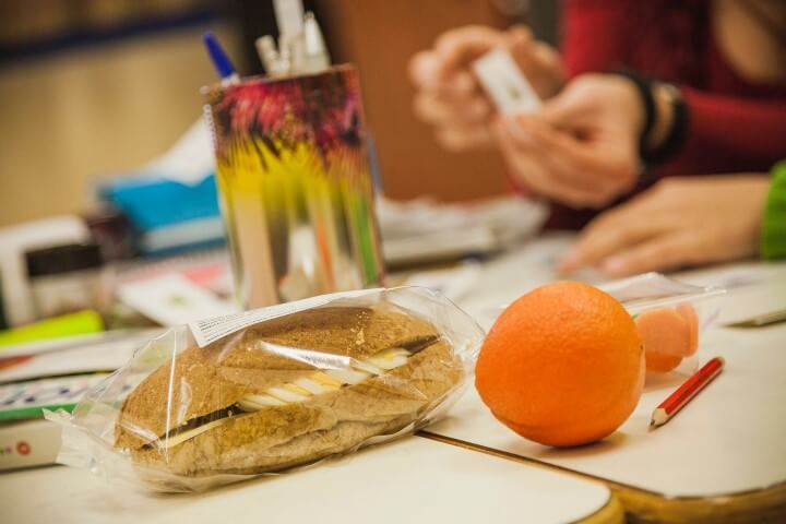 «Διατροφή»: Ένα πρόγραμμα σίτισης για τα παιδιά που το έχουν ανάγκη