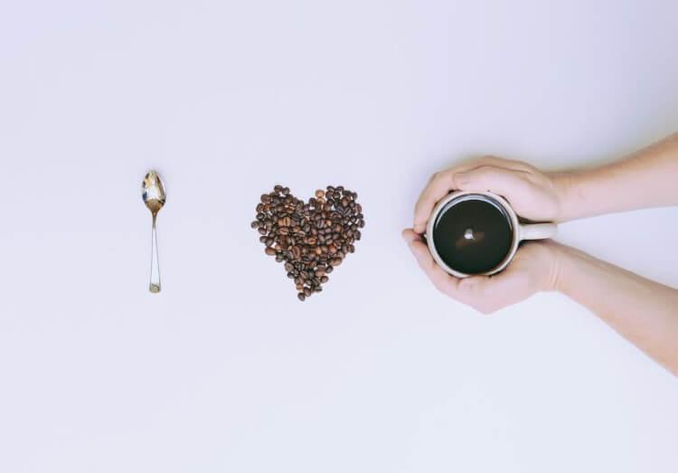 Όσα χρόνια κι αν έχουν περάσει από την «γέννηση» του καφέ, η δημοτικότητα του παραμένει σε ιδιαίτερα υψηλά επίπεδα!