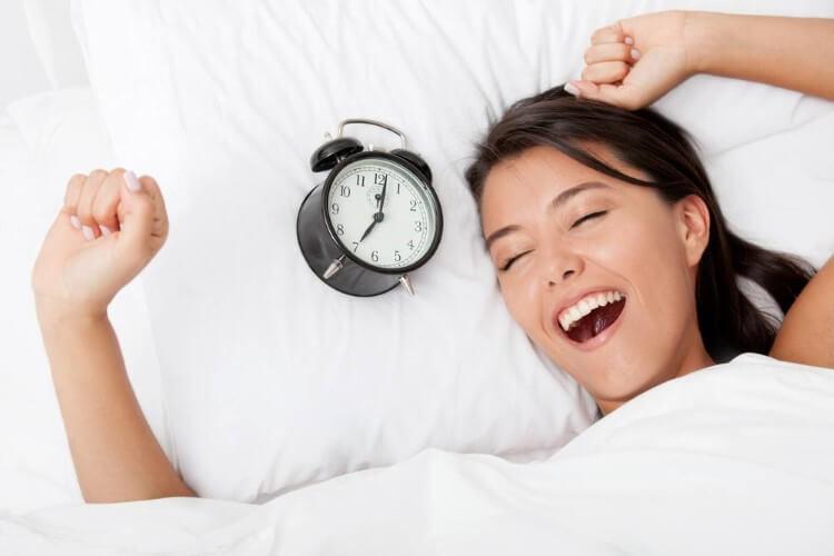 Νέα έρευνα από την Φινλανδία συνδέει το πρωινό ξύπνημα με την καλύτερη διατροφή.