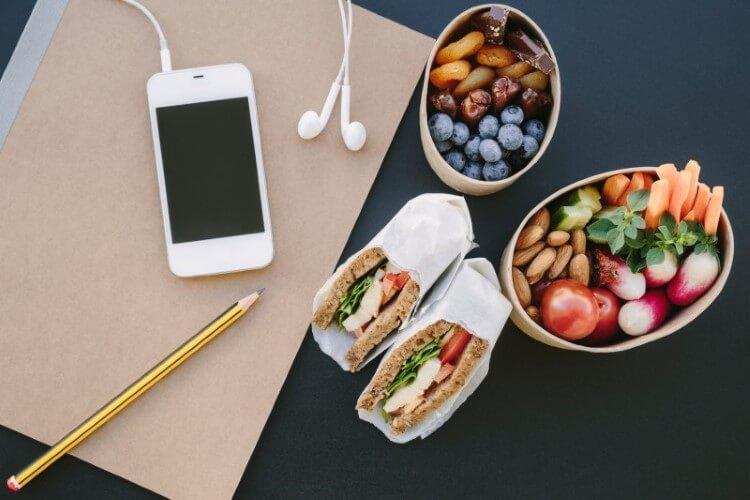 5 tips για μία υγιεινή διατροφική καθημερινότητα στο γραφείο