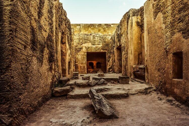 Η Πάφος είναι μία από τις έξι επαρχίες της Κύπρου.