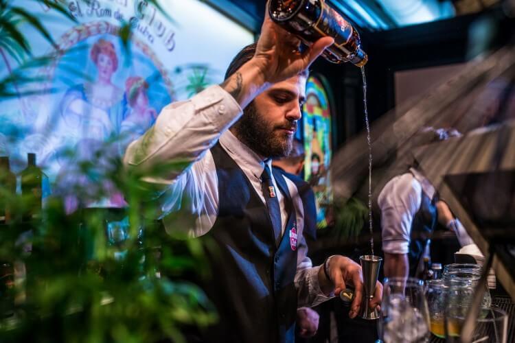 Το Athens Bar Show έρχεται και πάλι να... αναδεύσει γνώση, εμπειρίες, ψυχαγωγία και εκμάθηση