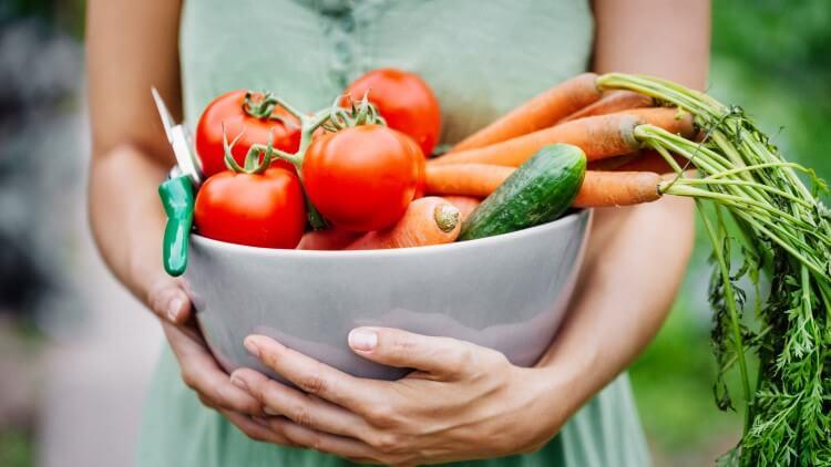 Φρούτα, λαχανικά, ξηροί καρποί και όσπρια «πρωταγωνιστούν» στις επιλογές του Clean Eating!