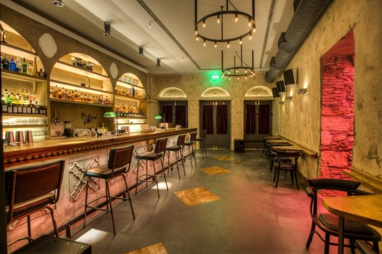 Το «The Clumsies» και το «Baba au Rum» βρίσκονται στη λίστα με τα καλύτερα 50 μπαρ του κόσμου