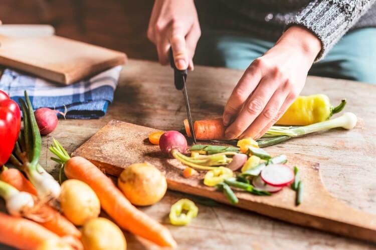 10 βήματα για να μειώσετε τη σπατάλη των τροφίμων