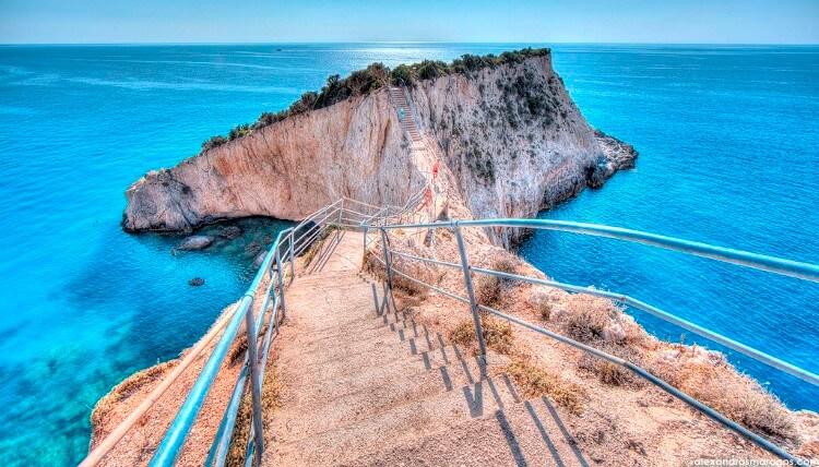 Η Λευκάδα είναι το τέταρτο σε έκταση νησί στο Ιόνιο