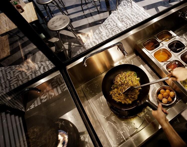 Το τοπ 5 του έθνικ street food στο κέντρο της Αθήνας
