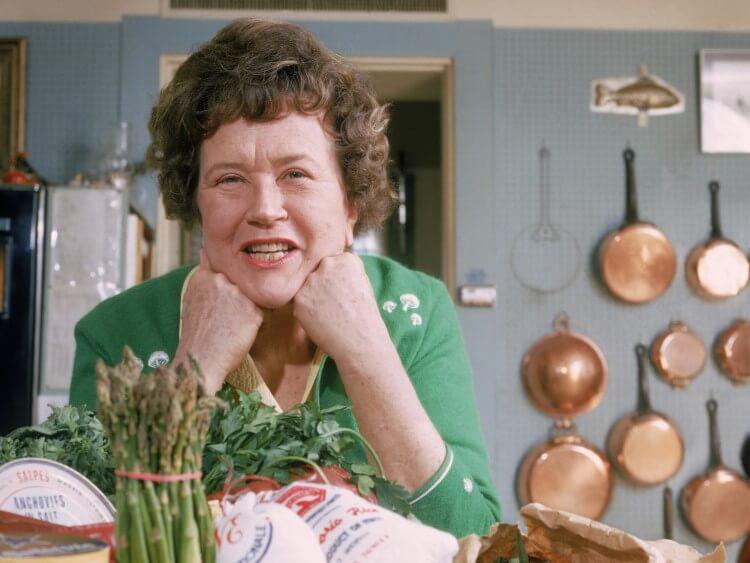 Julia Child: Η συναρπαστική ζωή της διάσημης σεφ