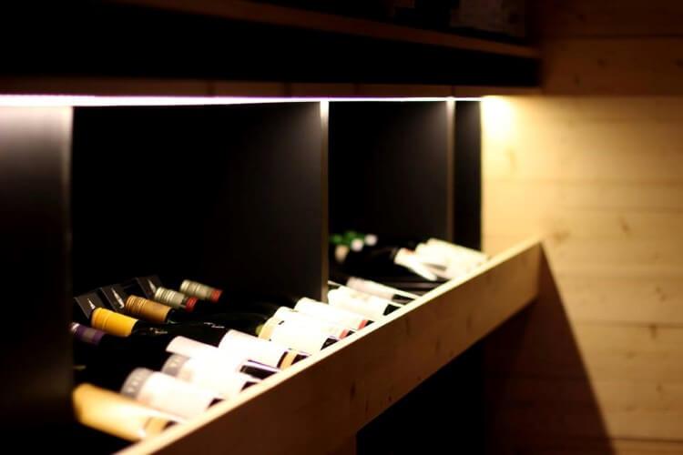 H κάβα Mr. Vertigo προσκαλεί τους επισκέπτες της σε ένα μαγικό ταξίδι στον κόσμο του κρασιού