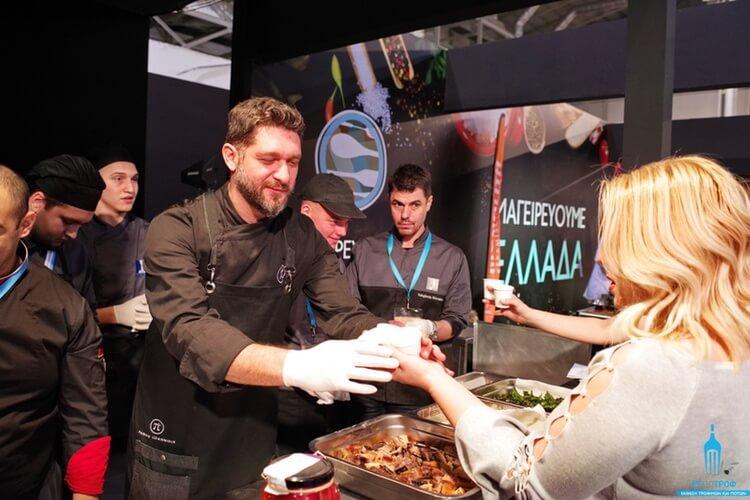 Ο Master Chef και συνεργάτης του ΙΕΚ ΑΚΜΗ, Πάνος Ιωαννίδης στο «Μαγειρεύουμε Ελλάδα».