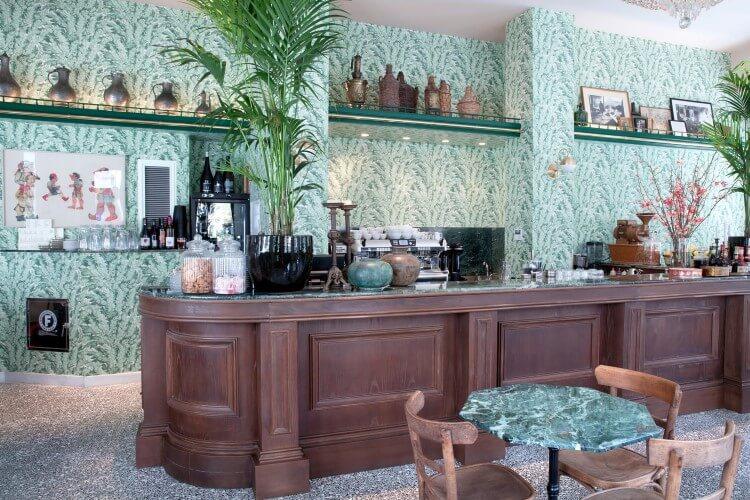 Σερσέ Λα Φαμ: το παραδοσιακό καφενείο στο κέντρο της Αθήνας