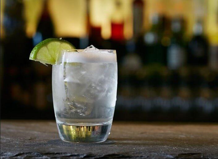 Στα πολωνικά η Βότκα ονομάζεται «wodka» και σημαίνει νερό.