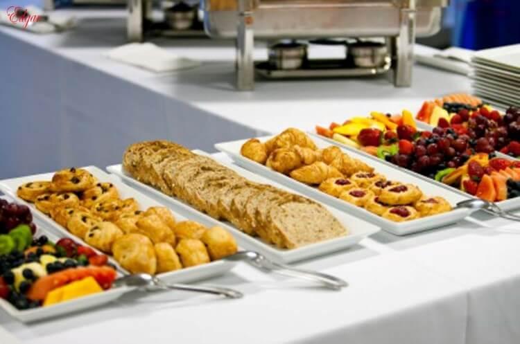 «Τροφή από Τρόφιμα»: Παραγωγή ζωοτροφών από τα υπολείμματα τροφίμων ξενοδοχείων