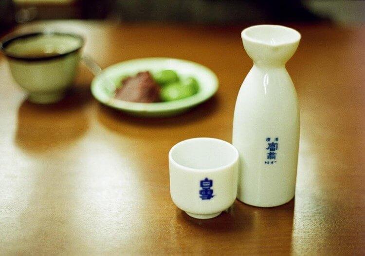 Το σάκε, η παράδοση της Ιαπωνίας σε ένα ποτό
