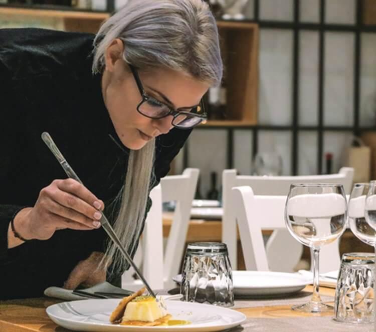 Κωνσταντίνα Βούλγαρη Κοντεσοπούλου: Η Αιγιώτισσα σεφ στους κορυφαίους του κόσμου