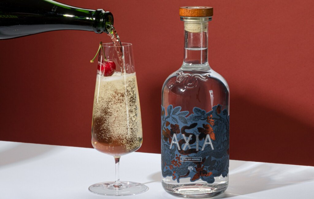 Axia Spirit: The new drink with mastic