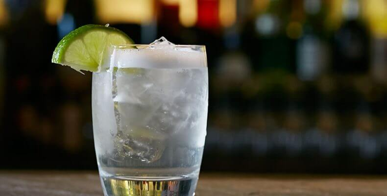 Νέα βότκα με λιγότερο αλκοόλ και γεύσεις